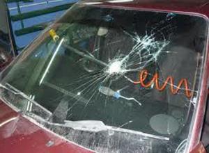 Процесс ремонта и замены стекол автомобиля своими руками
