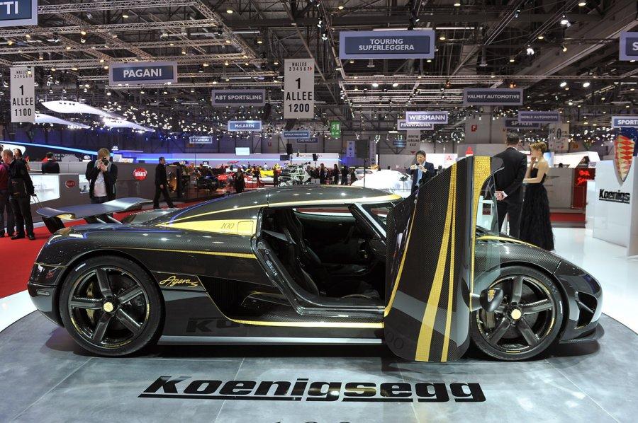 Шведская компания Koenigsegg представила тизер самого быстрого спорткара