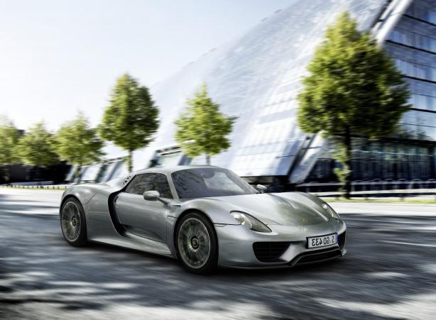 Новейший топовый болид Porsche 918 Spyder 2014