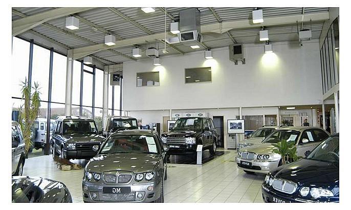 падения продаж автомобилей в Санкт-Петербурге