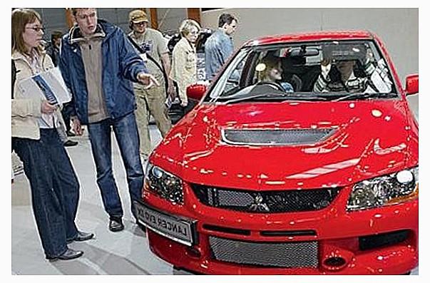 Россияне предпочитают поддержанные авто